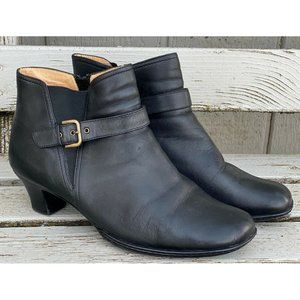 Softspots Black Leather Zip Ankle Boots 725801